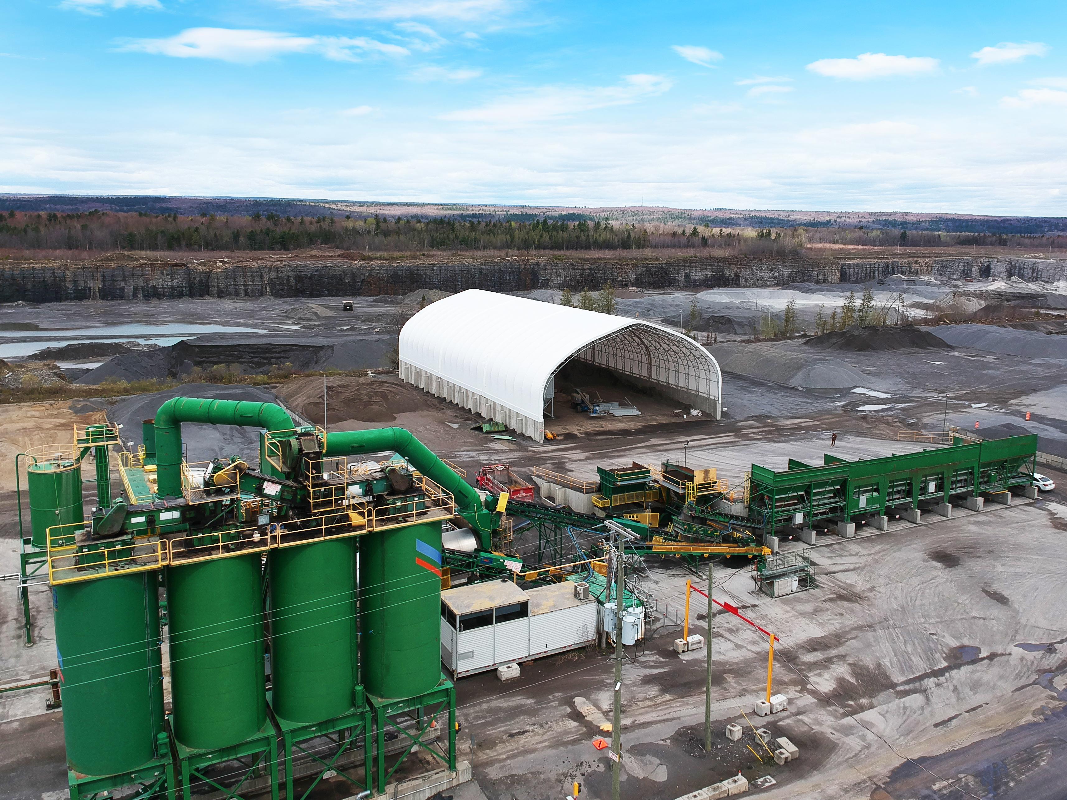 Permodome vue aérienne dans un terrain minier